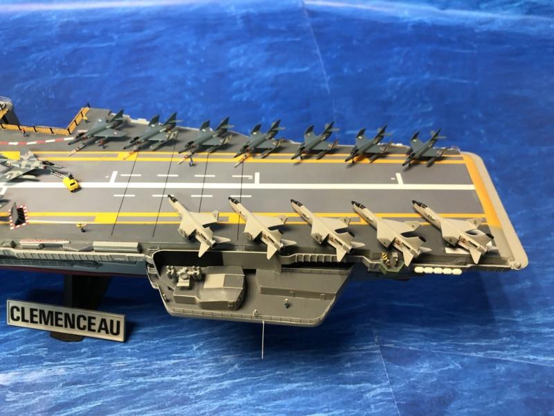 Porte-avions CLEMENCEAU - 1/400ème base Heller + scratch + PE Clemen44