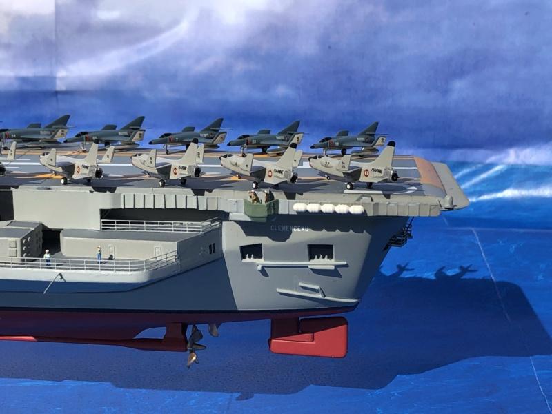 Porte-avions CLEMENCEAU - 1/400ème base Heller + scratch + PE Clemen45
