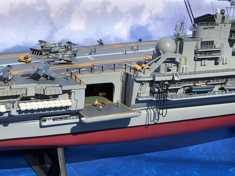 Porte-avions CLEMENCEAU - 1/400ème base Heller + scratch + PE Clemen46