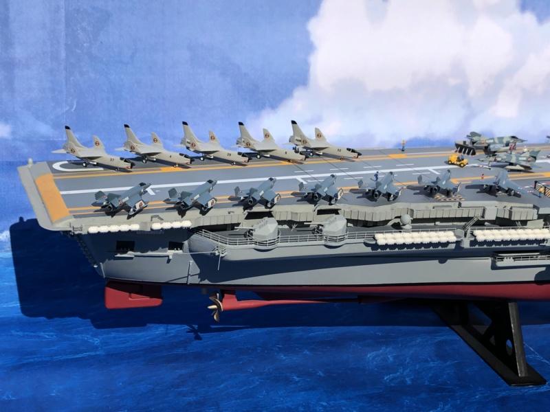 Porte-avions CLEMENCEAU - 1/400ème base Heller + scratch + PE Clemen47