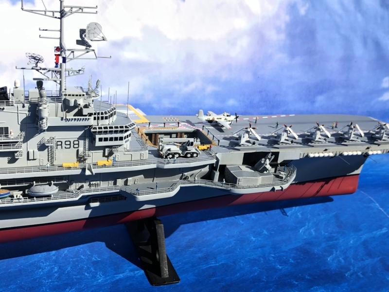 Porte-avions CLEMENCEAU - 1/400ème base Heller + scratch + PE Clemen48