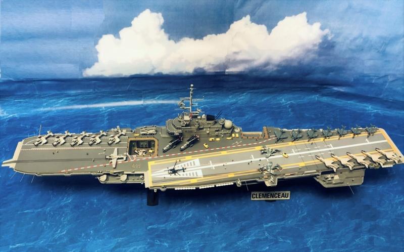 Porte-avions CLEMENCEAU - 1/400ème base Heller + scratch + PE Clemen50
