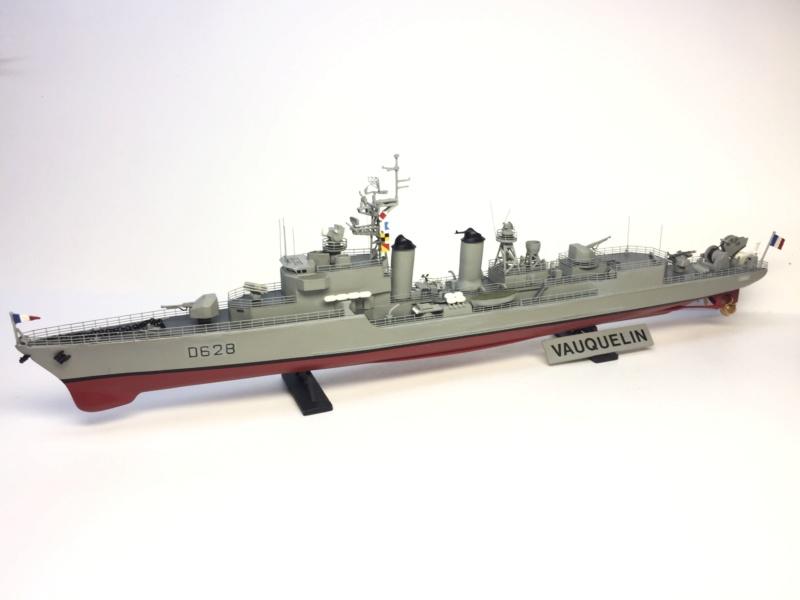 Escorteur d'Escadre VAUQUELIN 1/400 base HELLER + scratch + PE L'Arsenal Img_1038