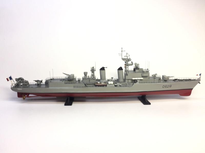 Escorteur d'Escadre VAUQUELIN 1/400 base HELLER + scratch + PE L'Arsenal Img_1040