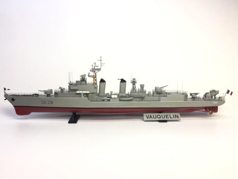 Escorteur d'Escadre VAUQUELIN 1/400 base HELLER + scratch + PE L'Arsenal Img_1041