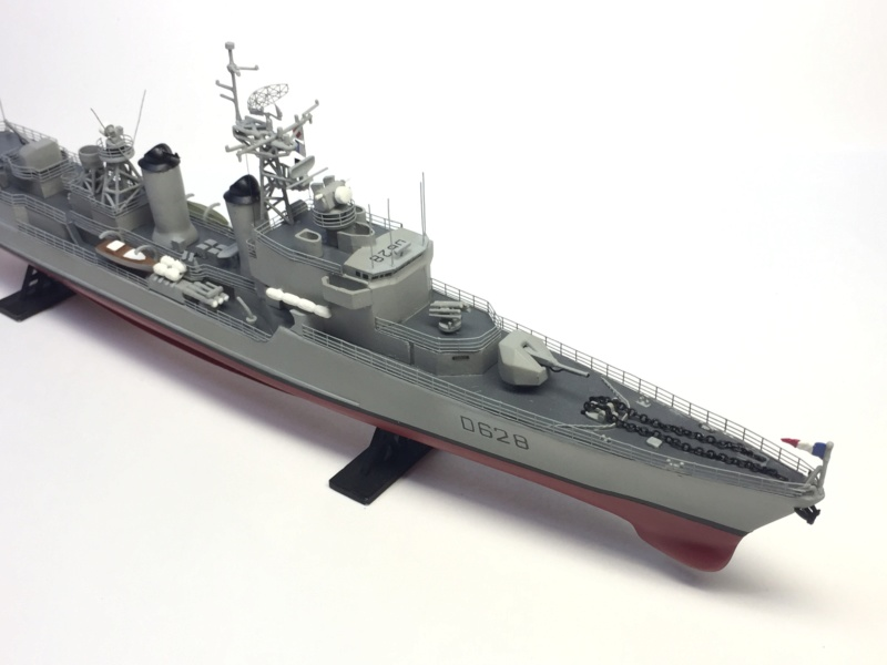 Escorteur d'Escadre VAUQUELIN 1/400 base HELLER + scratch + PE L'Arsenal Img_1042