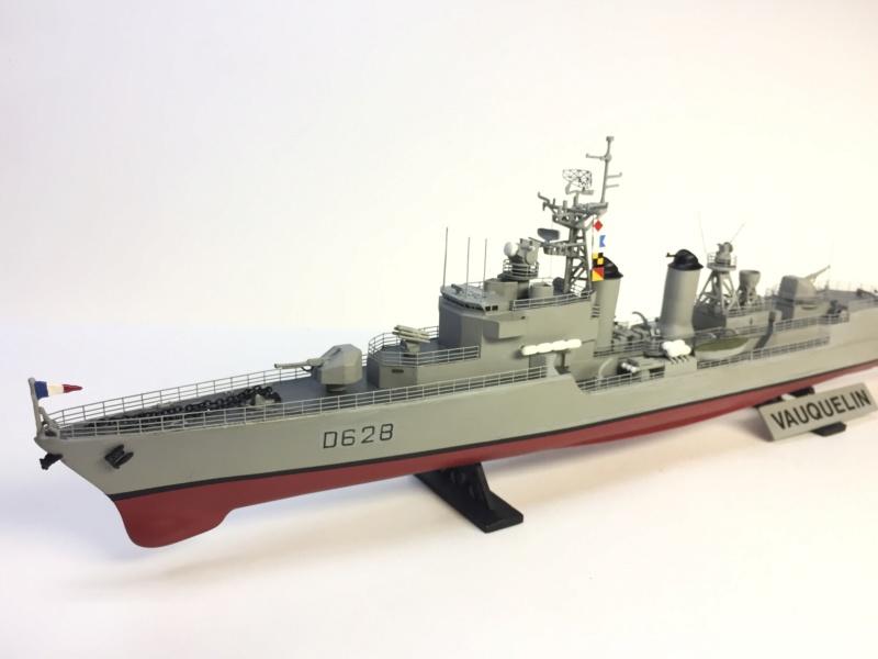 Escorteur d'Escadre VAUQUELIN 1/400 base HELLER + scratch + PE L'Arsenal Img_1043