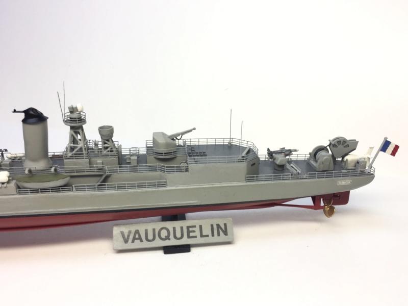Escorteur d'Escadre VAUQUELIN 1/400 base HELLER + scratch + PE L'Arsenal Img_1044