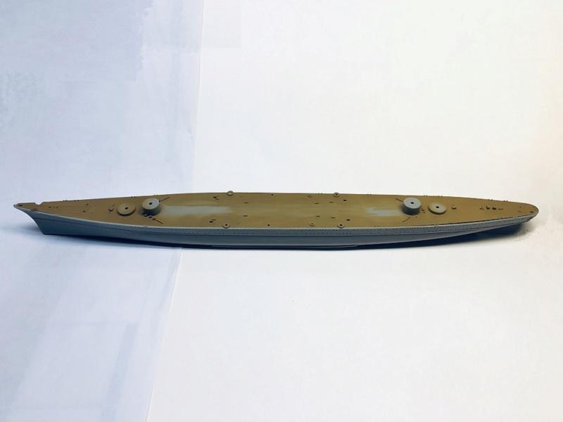 Croiseur lourd PRINZ EUGEN Réf 81083 Img_1053