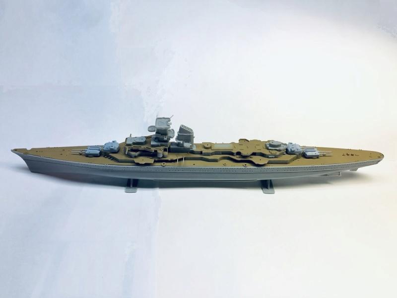 Croiseur lourd PRINZ EUGEN Réf 81083 Img_1056