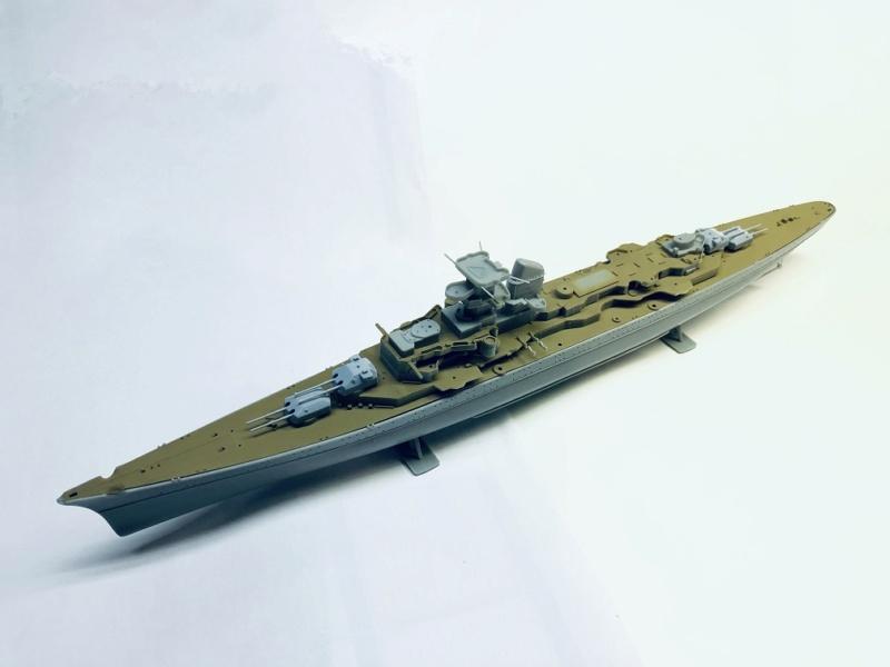 Croiseur lourd PRINZ EUGEN Réf 81083 Img_1059