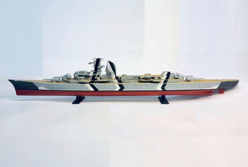 Croiseur lourd PRINZ EUGEN Réf 81083 Img_1068