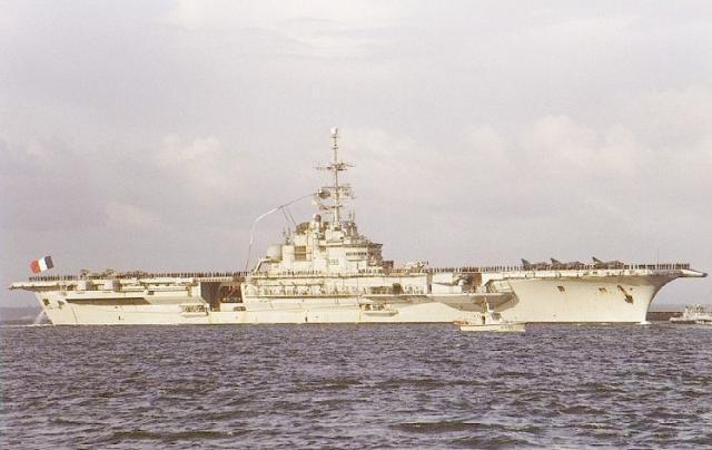 Porte-avions CLEMENCEAU 1987 mission Prométhée Img_1610
