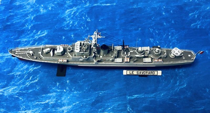 """Escorteur Rapide """"Le Savoyard"""" base HELLER + scratch + PE L'arsenal. Img_e109"""