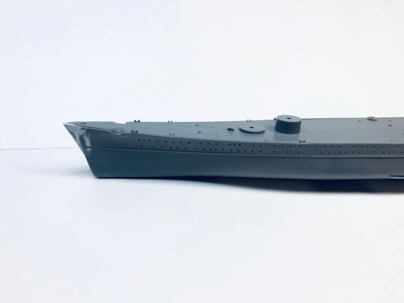 Croiseur lourd ADMIRAL HIPPER  boîte jaune Réf 1033 Img_e486