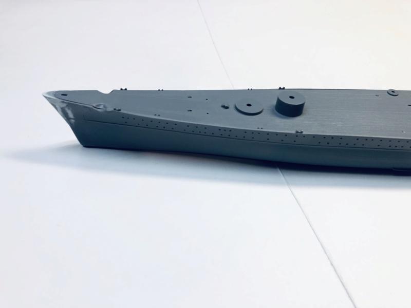Croiseur lourd ADMIRAL HIPPER  boîte jaune Réf 1033 Img_e487