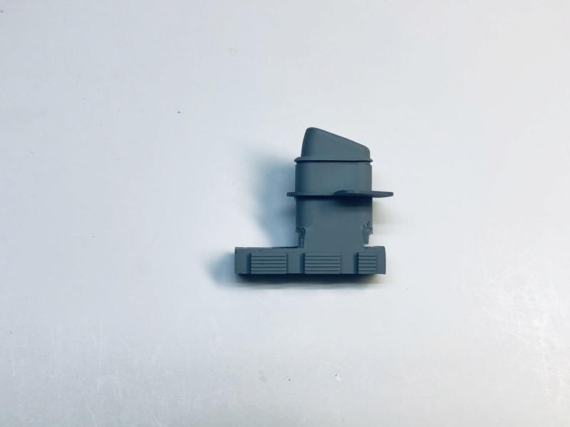 Croiseur lourd ADMIRAL HIPPER  boîte jaune Réf 1033 Img_e500