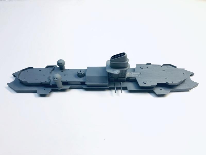 Croiseur lourd ADMIRAL HIPPER  boîte jaune Réf 1033 Img_e504