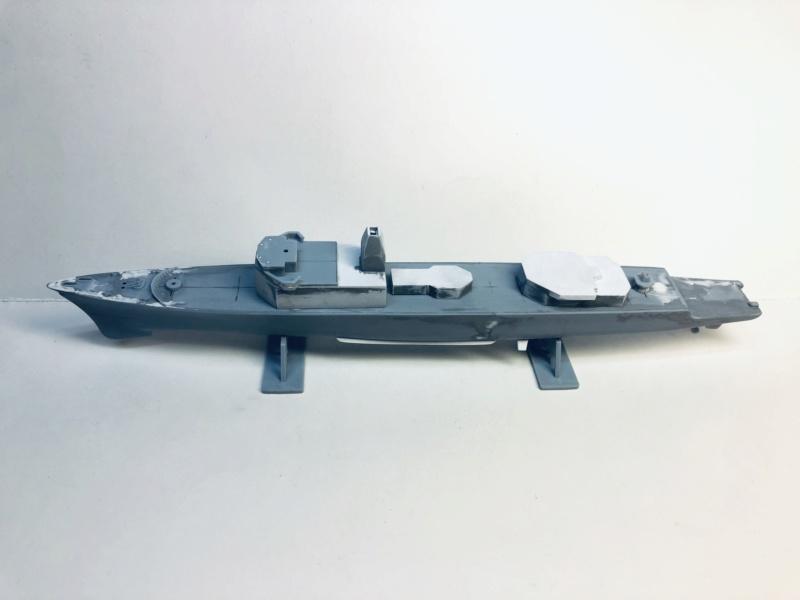 Frégate D609 ACONIT 1/400ème base HELLER + scratch Img_e739