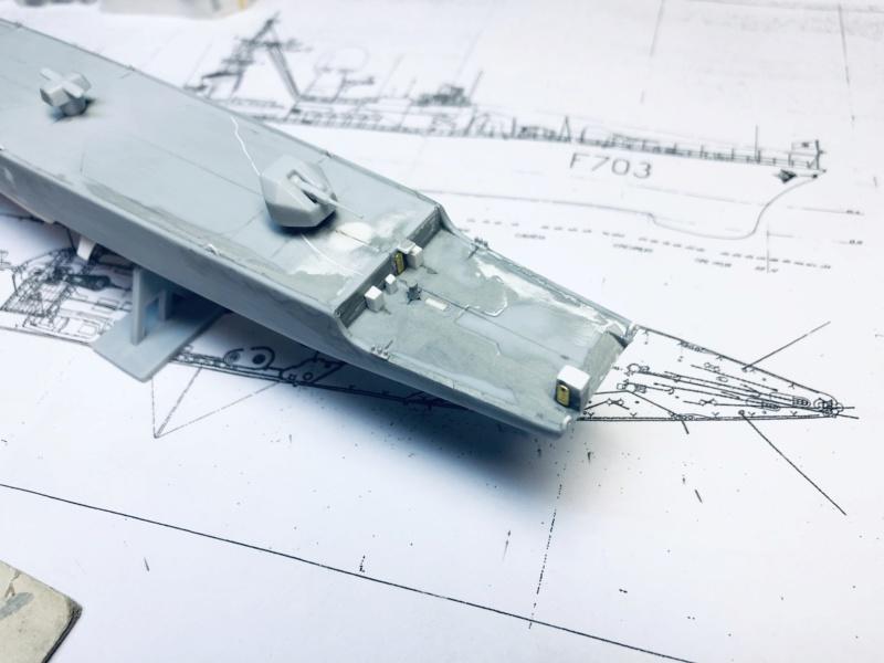 Frégate D609 ACONIT 1/400ème base HELLER + scratch Img_e764