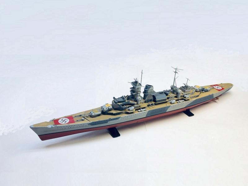 Croiseur lourd ADMIRAL HIPPER  boîte jaune Réf 1033 Img_e923