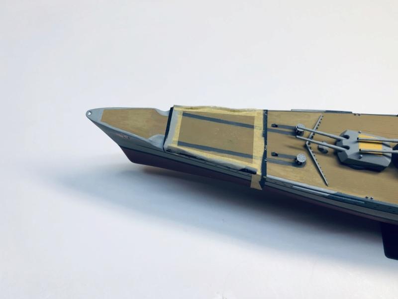 Croiseur lourd ADMIRAL HIPPER  boîte jaune Réf 1033 - Page 2 Img_e925