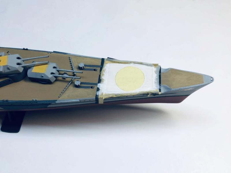Croiseur lourd ADMIRAL HIPPER  boîte jaune Réf 1033 - Page 2 Img_e927