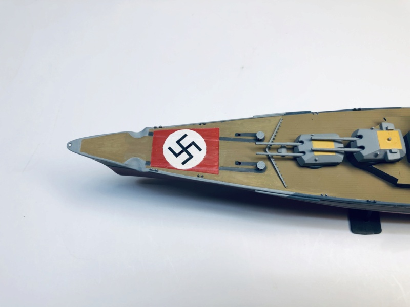 Croiseur lourd ADMIRAL HIPPER  boîte jaune Réf 1033 - Page 2 Img_e934