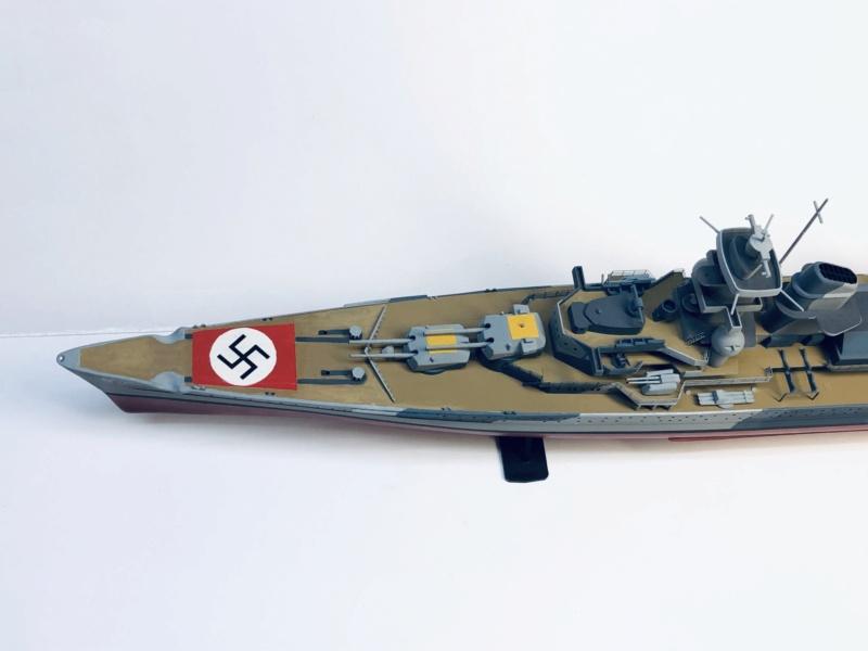 Croiseur lourd ADMIRAL HIPPER  boîte jaune Réf 1033 - Page 2 Img_e937