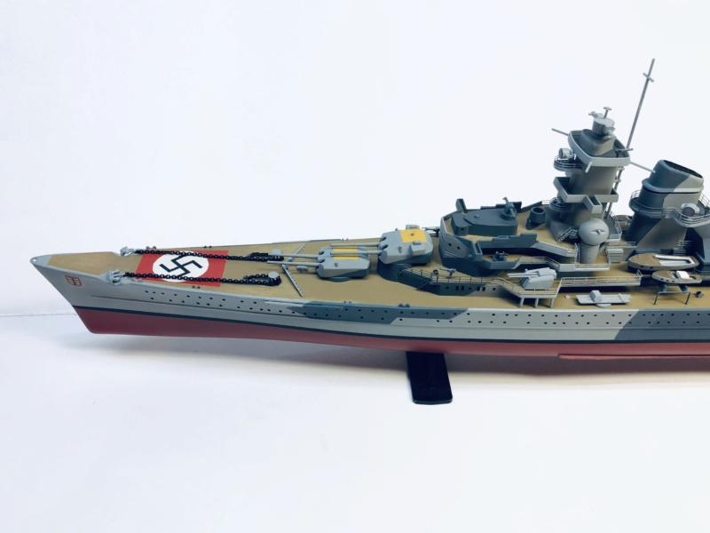 Croiseur lourd ADMIRAL HIPPER  boîte jaune Réf 1033 - Page 2 Img_e942