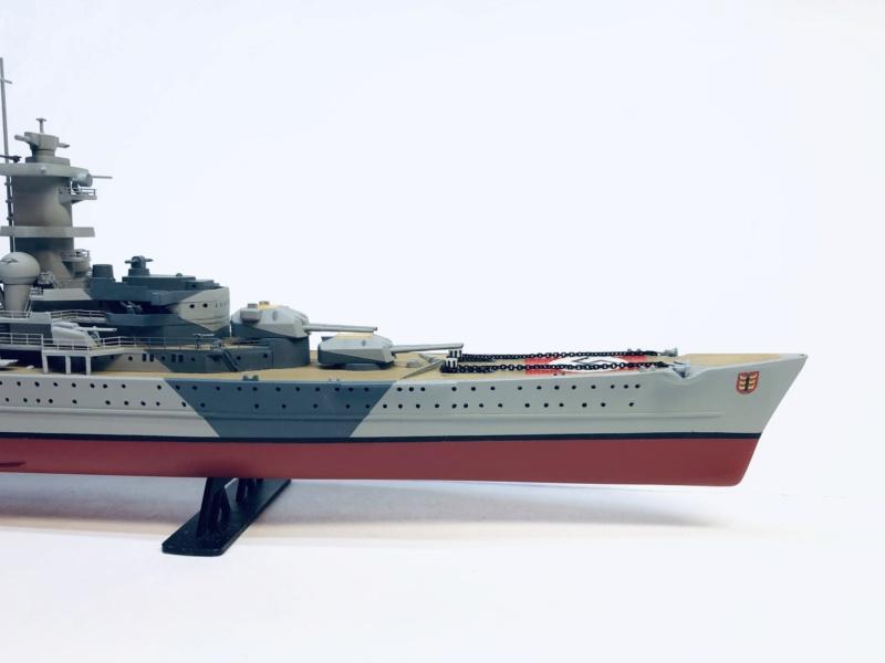 Croiseur lourd ADMIRAL HIPPER  boîte jaune Réf 1033 - Page 2 Img_e948