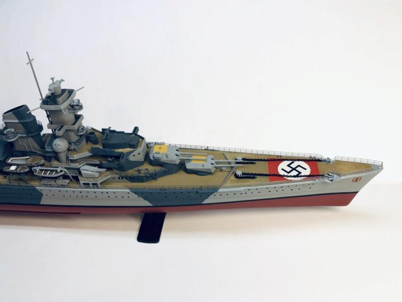 Croiseur lourd ADMIRAL HIPPER  boîte jaune Réf 1033 - Page 2 Img_e954