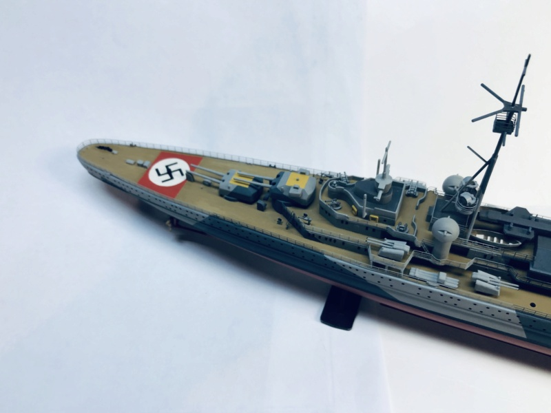 Croiseur lourd ADMIRAL HIPPER  boîte jaune Réf 1033 - Page 2 Img_e957