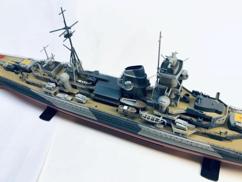 Croiseur lourd ADMIRAL HIPPER  boîte jaune Réf 1033 - Page 2 Img_e959