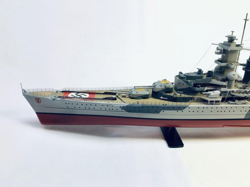Croiseur lourd ADMIRAL HIPPER  boîte jaune Réf 1033 - Page 2 Img_e968