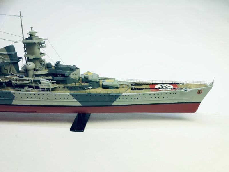 Croiseur lourd ADMIRAL HIPPER  boîte jaune Réf 1033 - Page 2 Img_e970