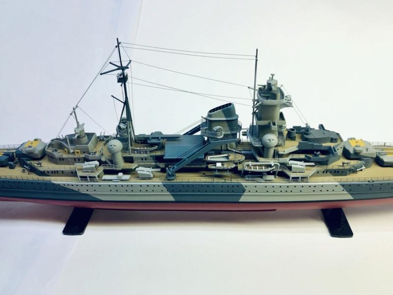 Croiseur lourd ADMIRAL HIPPER  boîte jaune Réf 1033 - Page 2 Img_e972