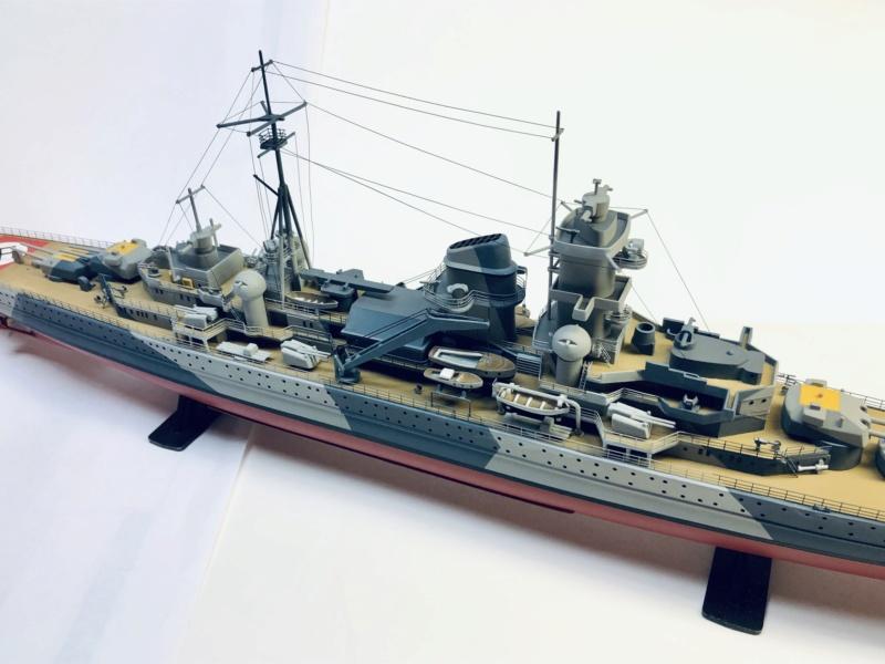 Croiseur lourd ADMIRAL HIPPER  boîte jaune Réf 1033 - Page 2 Img_e975