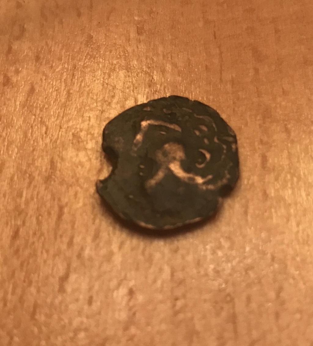 Identification d'une piece, gauloise?? Img_3518