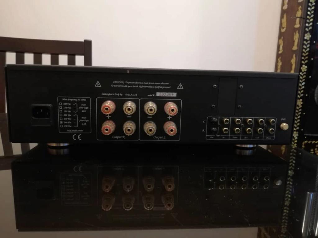 Unison research unico se hybrid integrated amplifier 212