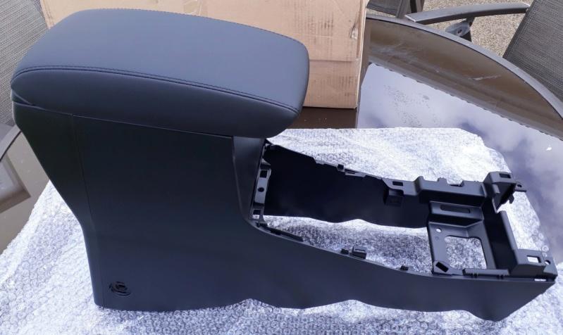 Genuine suzuki armrest Armres11