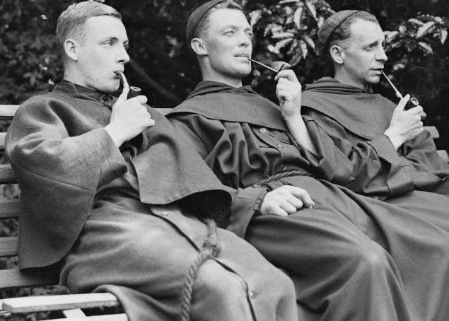 Le 14 novembre – A la Saint Sidoine, une pipe pour les moines ! Moines10