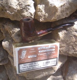 1er Mai 19, du muguet et de la fumée. Pipe_j10