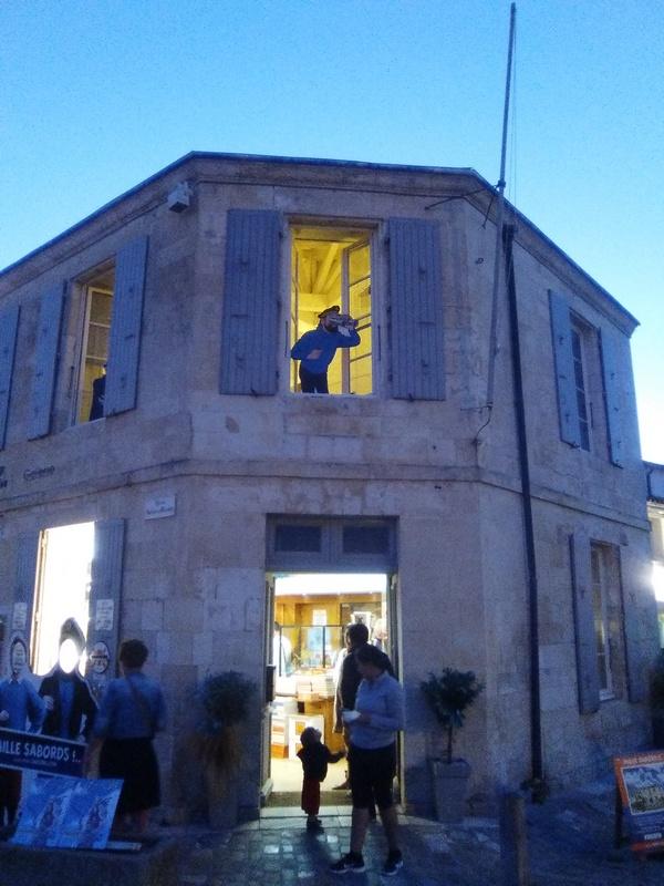La Charente-Maritime  et les filles de La Rochelle - Page 3 La_roc11
