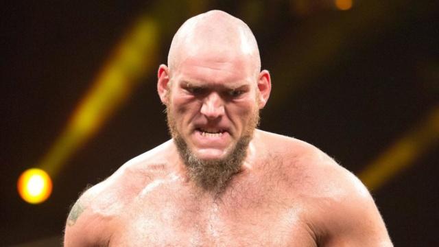 [Compétition] Le push raté de Lars Sullivan : rendez-vous manqué avec John Cena ?  Larssu10