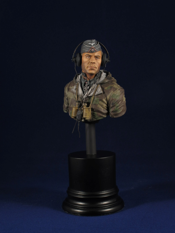 Buste - King Tiger Commander - Life Miniatures - 1/10 - Terminé 8d55a610