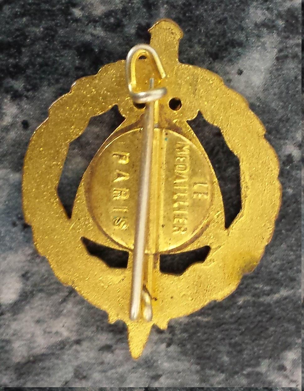 insigne ''Le médailler Paris'' 20200510