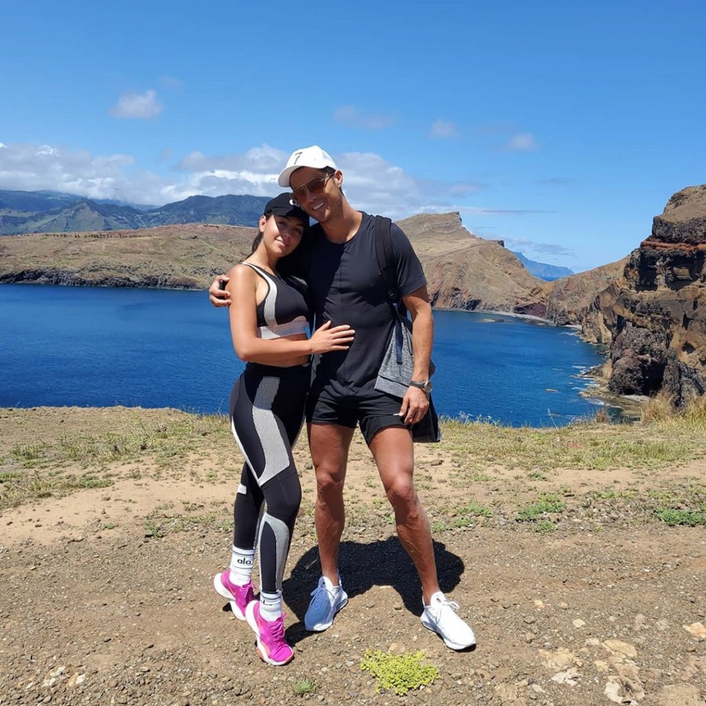 ¿Cuánto mide Georgina Rodríguez? - Altura - Real height 95308910