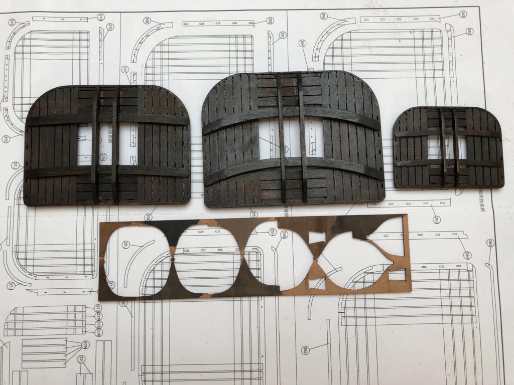 Bonhomme Richard : Partie-1 Coque & Pont (ZHL Model 1/48°) par Pierre Malardier - Page 31 42c3bf10