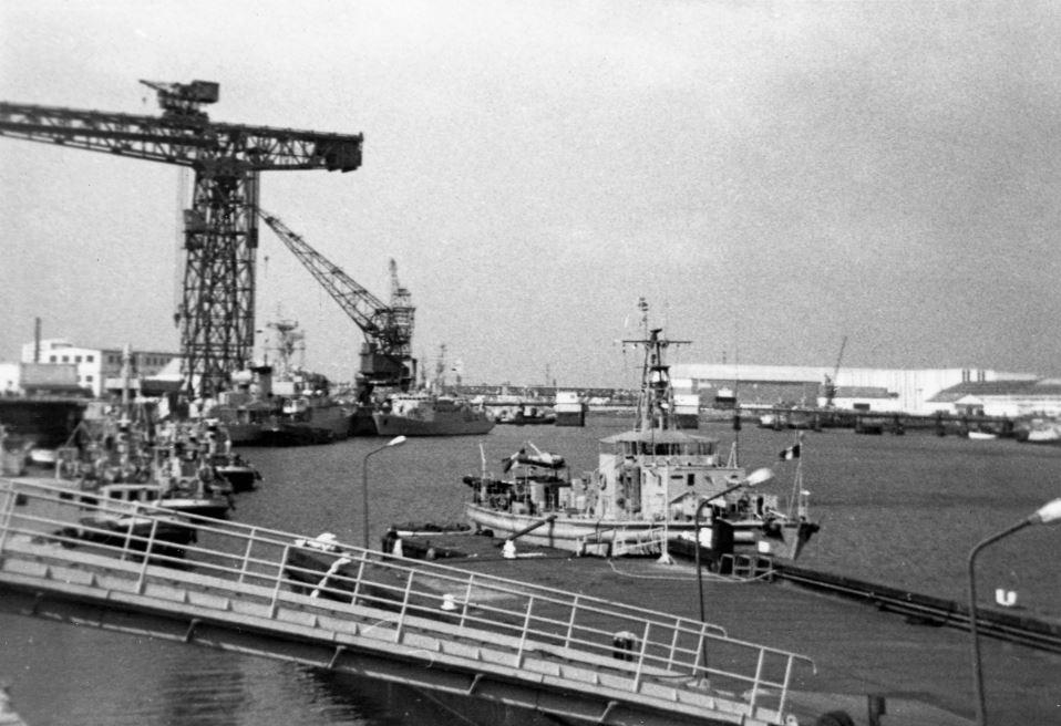 [Les ports militaires de métropole] Port de LORIENT - TOME 1 - Page 25 Ras_d_10